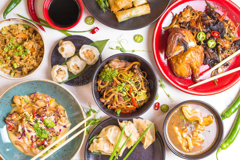 Geassorteerde Chinese gestemde voedselreeks, stock fotografie