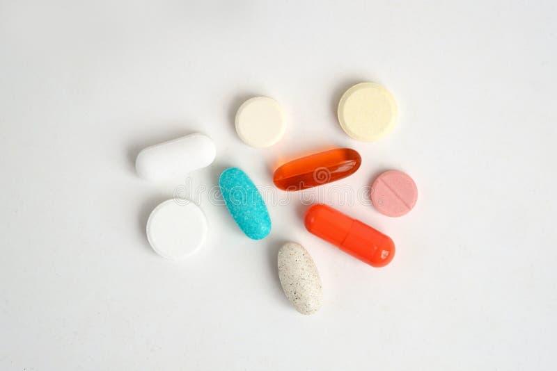 Geassorteerde medische pil, tablet en capsule stock foto