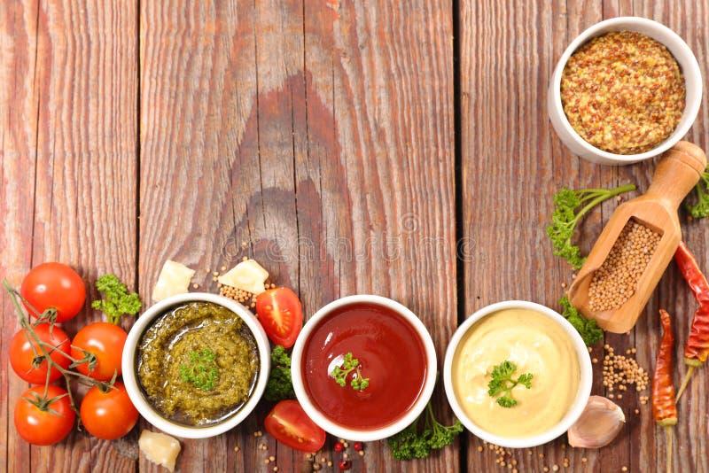 Geassorteerde saus en onderdompeling stock foto