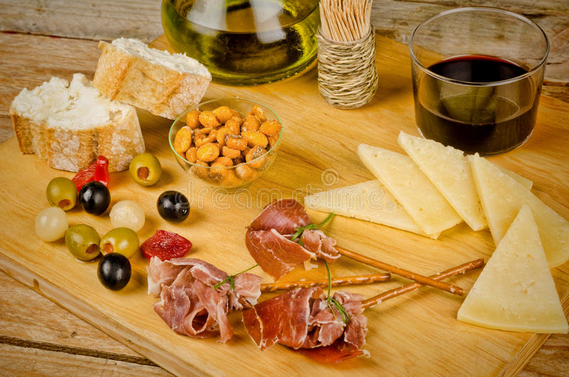 Geassorteerde Spaanse snacks royalty-vrije stock afbeelding