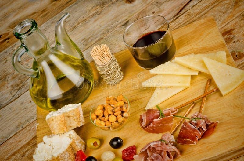 Geassorteerde Spaanse snacks stock foto