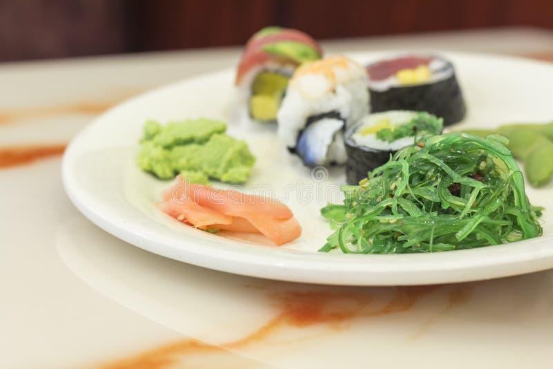Download Geassorteerde Sushi stock foto. Afbeelding bestaande uit nadruk - 54092102