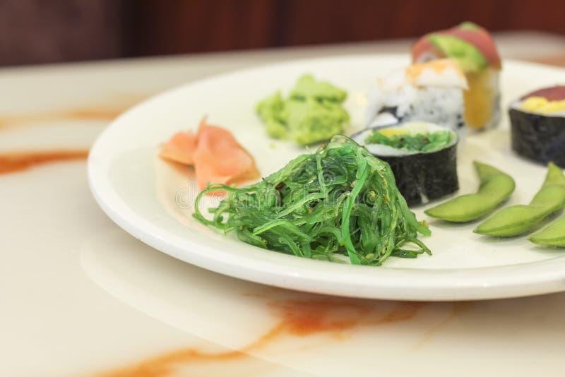 Download Geassorteerde Sushi stock afbeelding. Afbeelding bestaande uit overzees - 54092333