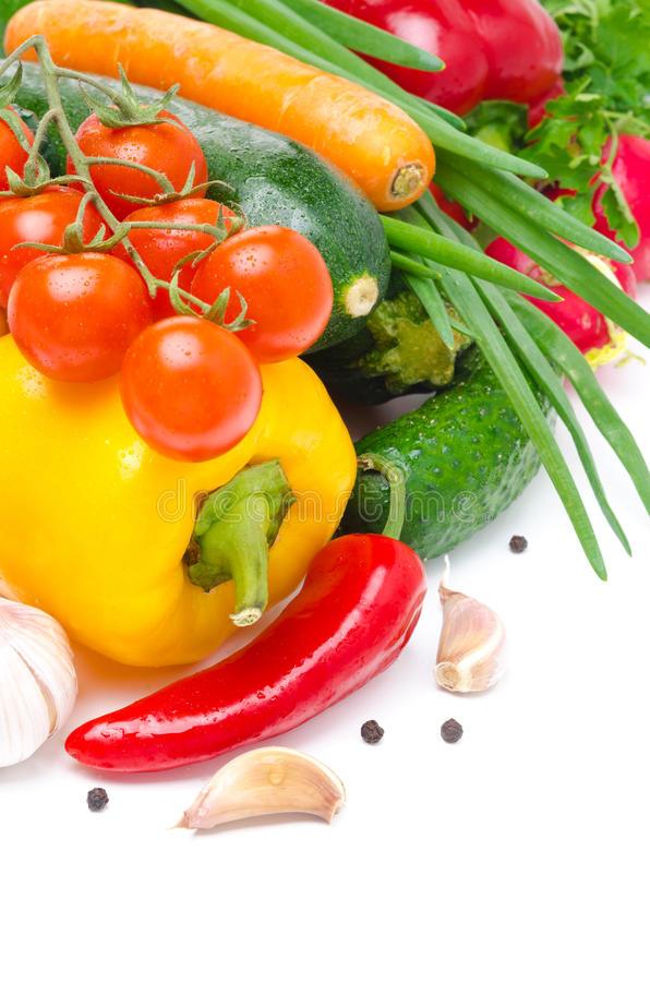 Geassorteerde verse seizoengebonden die groenten met ruimte voor tekst worden geïsoleerd stock foto