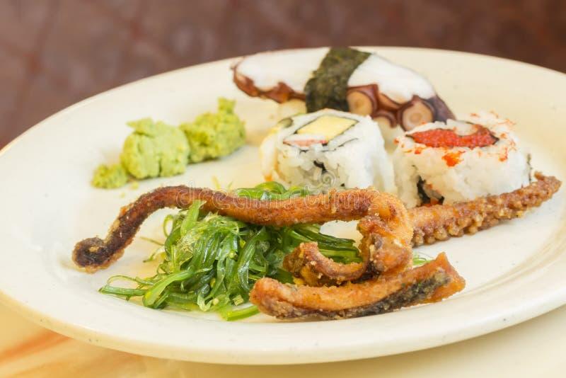 Download Geassorteerde Zeevruchtenplaat Stock Afbeelding - Afbeelding bestaande uit eating, broodje: 54092011