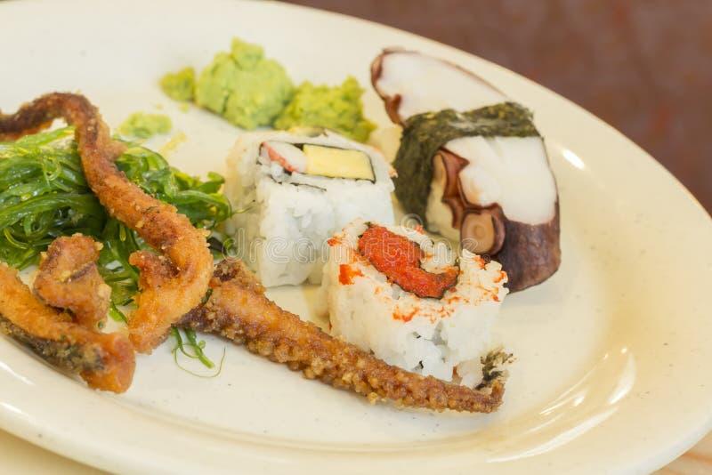 Download Geassorteerde Zeevruchtenplaat Stock Afbeelding - Afbeelding bestaande uit cuisine, zeewier: 54092021