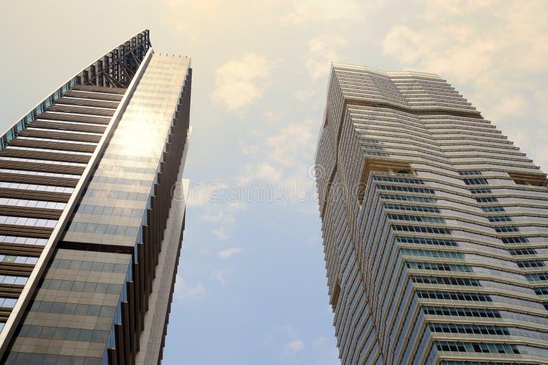 Download Gebäude stockfoto. Bild von geschäft, reflect, städtisch - 9087298