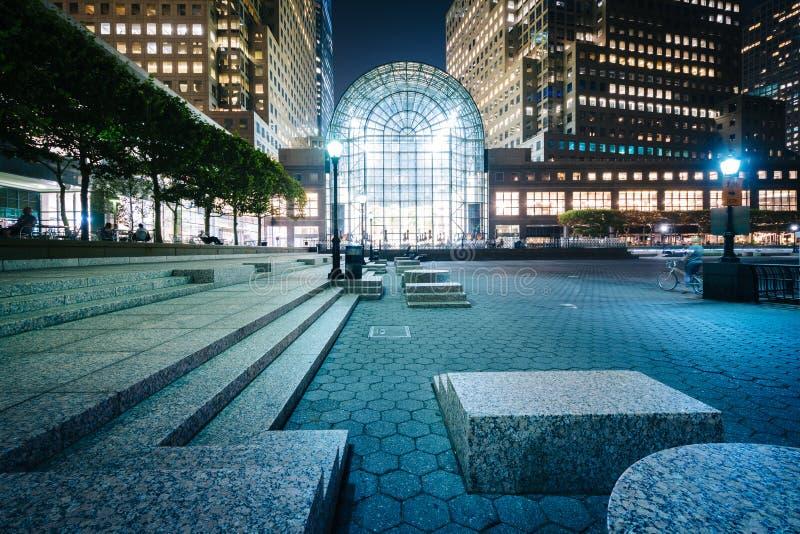 Gebäude in der Batterie Park City nachts, im Lower Manhattan, neu lizenzfreies stockbild