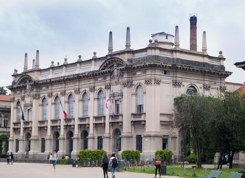Gebäude der polytechnischen Universität von Mailand lizenzfreies stockfoto