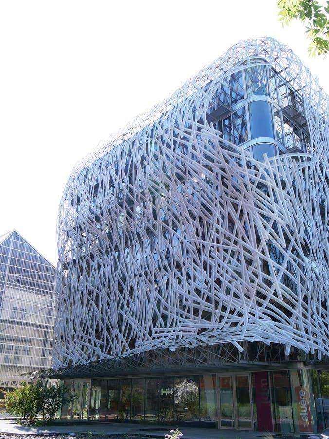 Gebäude der zeitgenössischen Kunst durch Manny Coupechoux auf der Insel von Nantes lizenzfreie stockfotografie