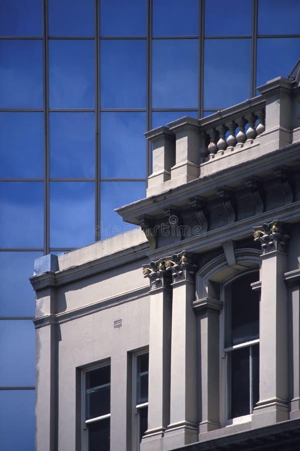 Download Gebäude-Fassade-Detail stockfoto. Bild von gebäude, wolkenkratzer - 27466