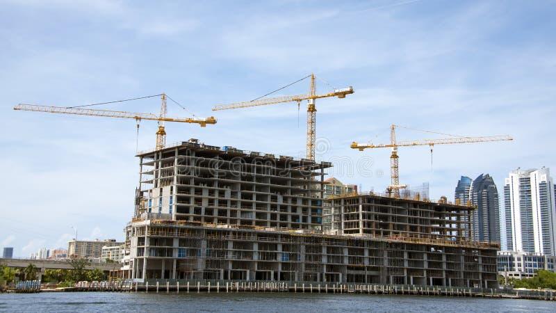 Gebäude im Aufbau stockbild