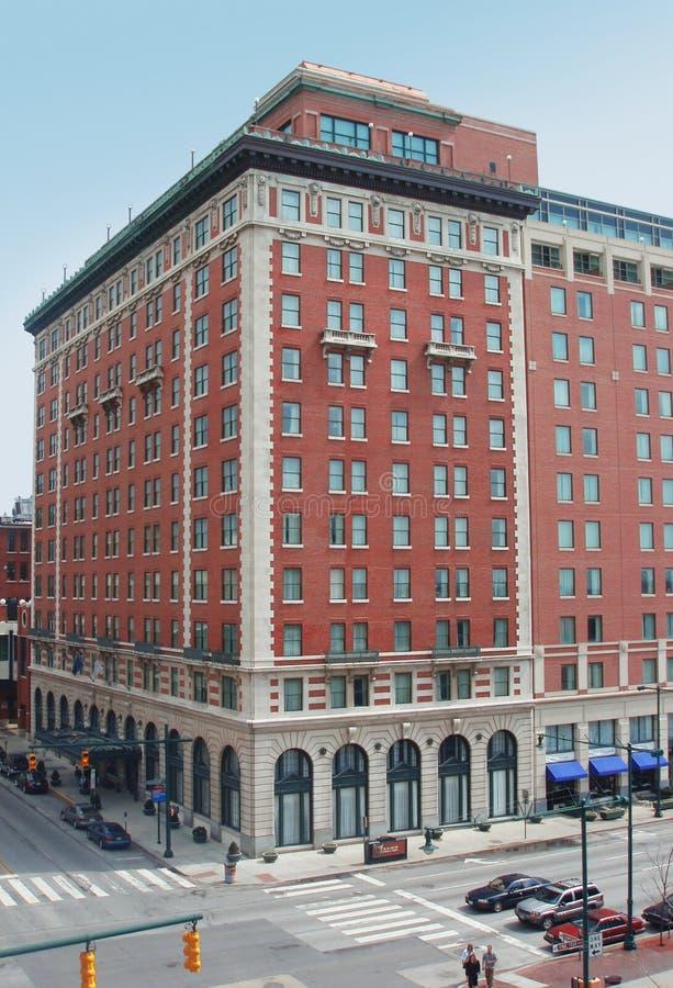 Gebäude in im Stadtzentrum gelegenem Indianapolis lizenzfreie stockbilder