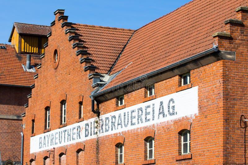 Gebäude mit Ziegelsteinmaurerarbeit - historische Brauerei lizenzfreies stockfoto
