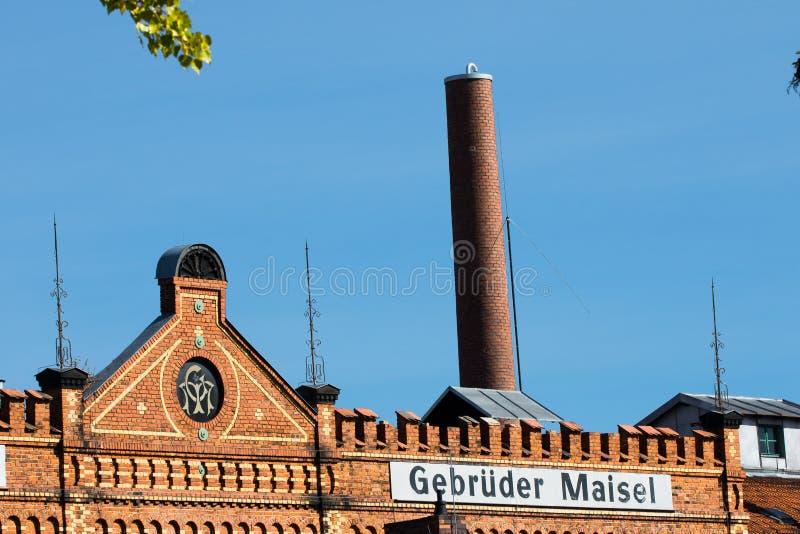 Gebäude mit Ziegelsteinmaurerarbeit - historische Brauerei stockbilder