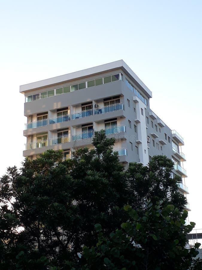 Gebäude am Morgen stockfoto