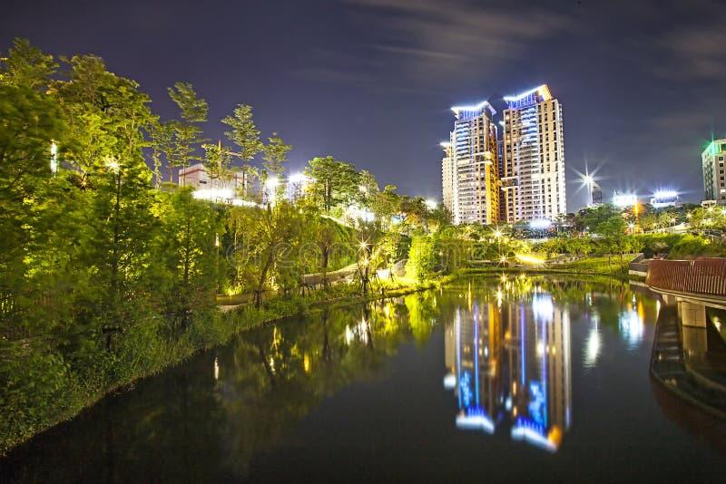 Gebäude nachts stockbilder