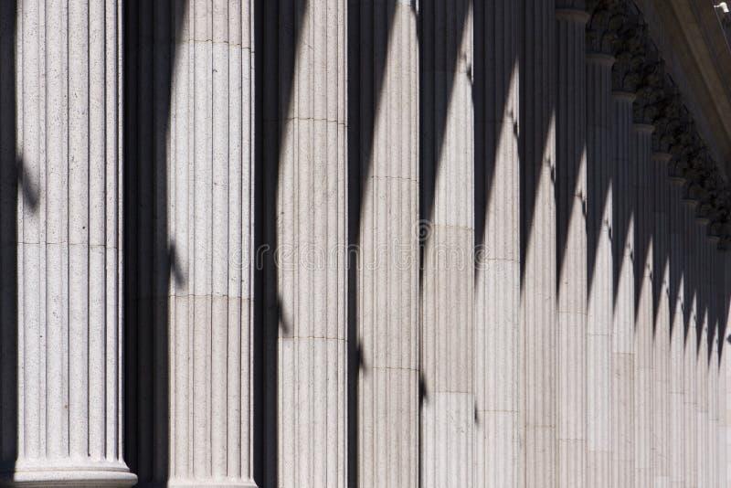 Gebäude-Spalte-Auszug stockfotografie