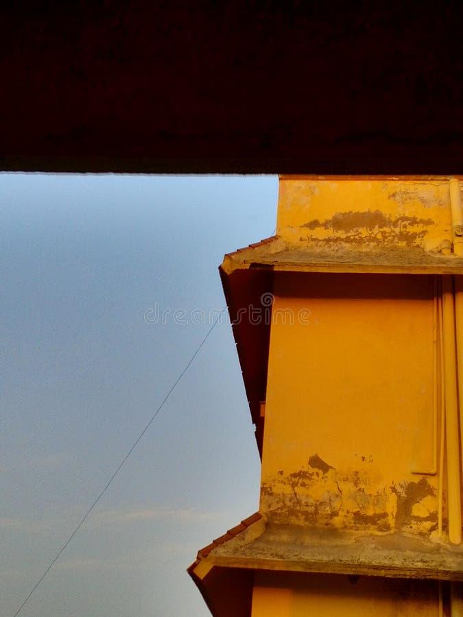 Gebäude und Himmel lizenzfreies stockfoto