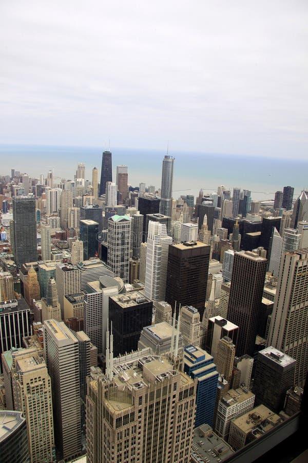 Gebäude von Chicago angesehen von einer Erhebung lizenzfreie stockfotos