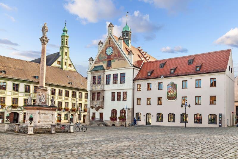 Gebäude von Rathaus in Freising, Deutschland lizenzfreie stockbilder