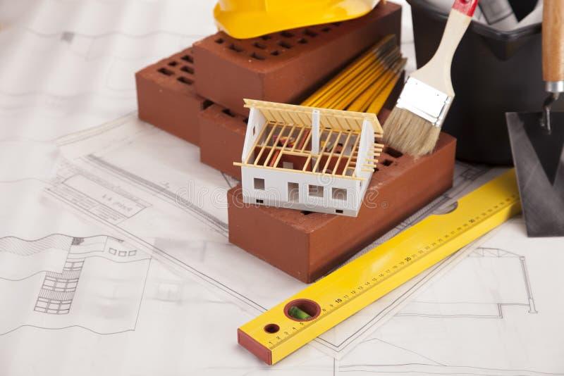 Download Gebäudeausrüstung stockfoto. Bild von hilfsmittel, sturzhelm - 27731260
