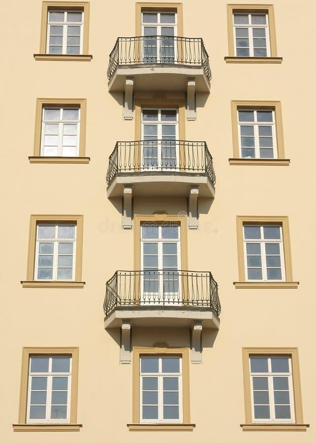 Gebäudefensterdetail lizenzfreies stockfoto