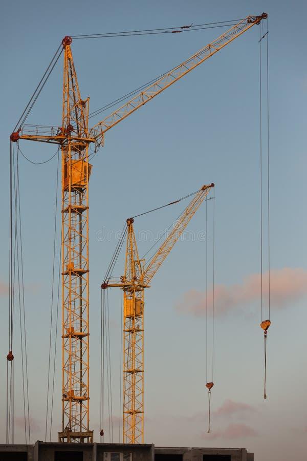 GebäudeTurmkran stockfoto