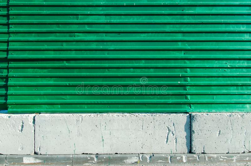 Gebäudezaun lizenzfreie stockbilder