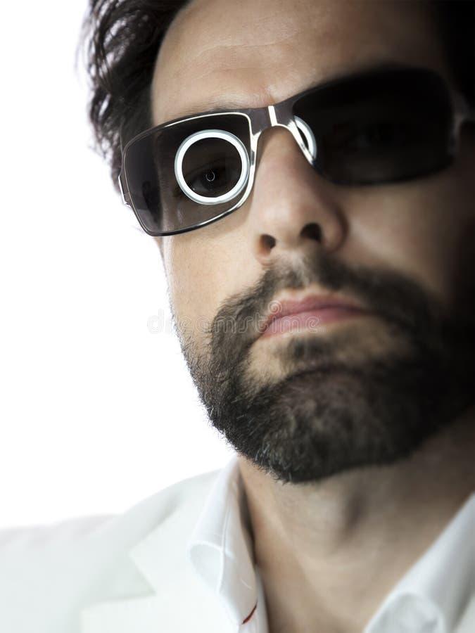 Gebaarde mens met zonnebril stock afbeelding