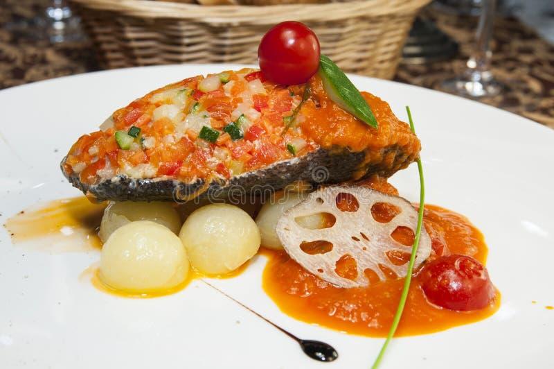 Download Gebackene Fische stockbild. Bild von aperitif, teil, gesund - 27731481