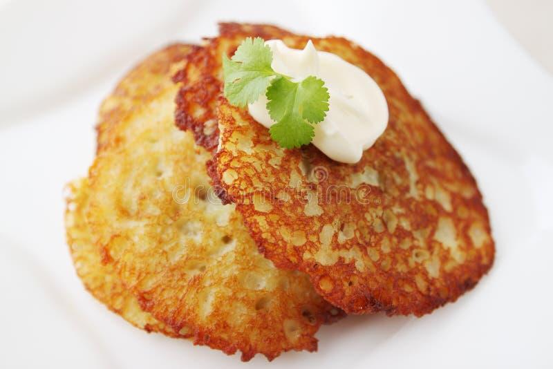 Gebackener Kartoffelpfannkuchen stockbilder