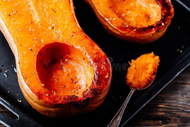 Gebakken butternut pompoenpompoen, ingrediënt voor een warme dalingssoep stock fotografie