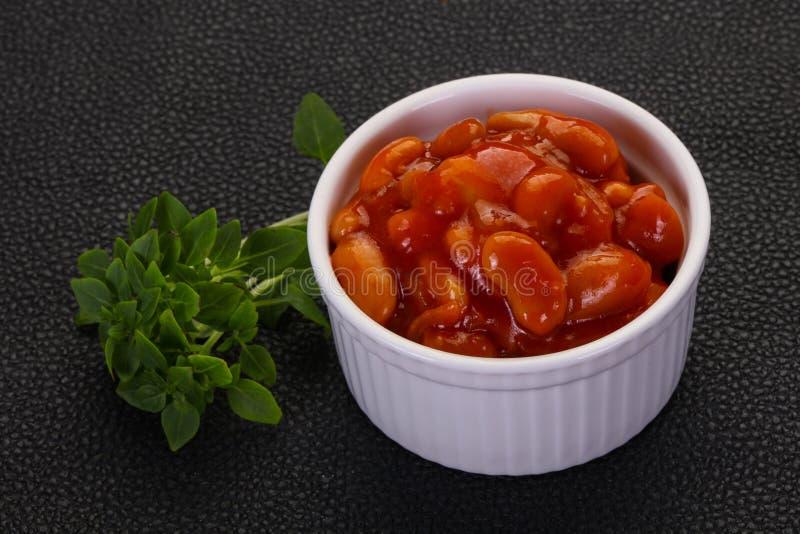 Gebakken nier met tomatensaus stock afbeelding