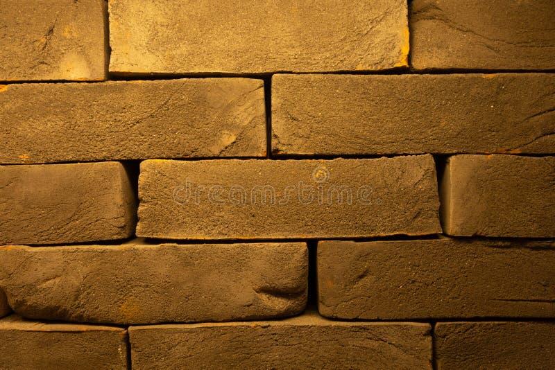 Gebarsten Donkerrode Oude Bakstenen muurtextuur Beschadigde Bruine Abstracte Lege Stonewall-Achtergrond Ruïneuze Brickwall-Versle royalty-vrije stock foto's