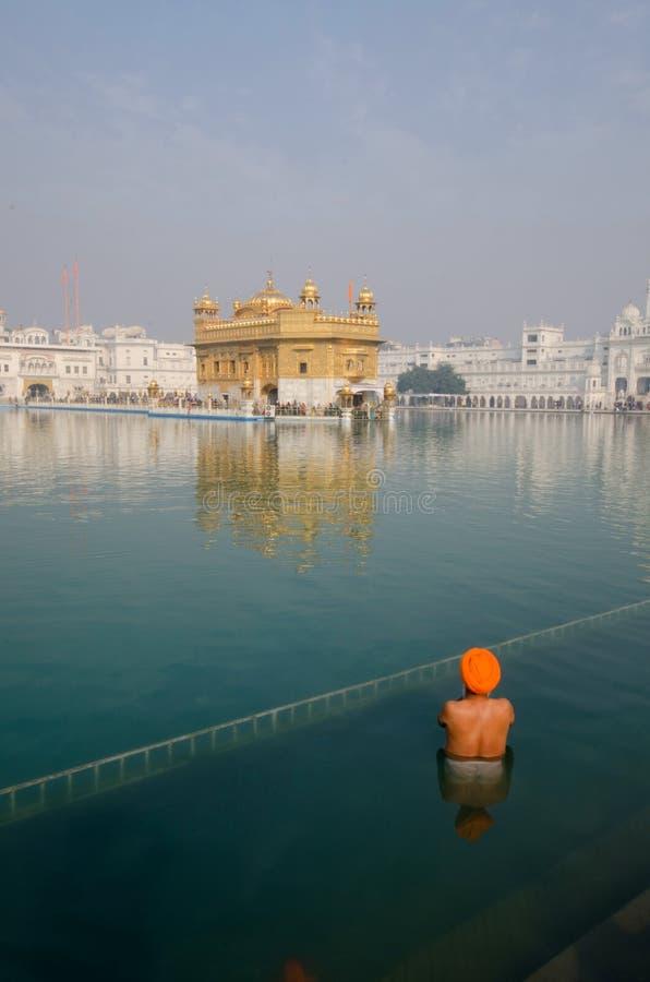 Gebed bij de Gouden tempel royalty-vrije stock afbeelding