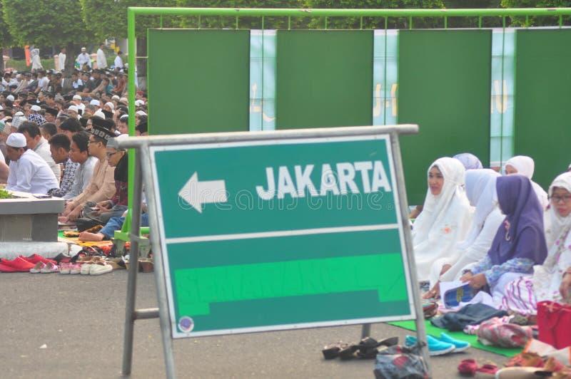 Gebed idul fitri in Semarang stock afbeeldingen