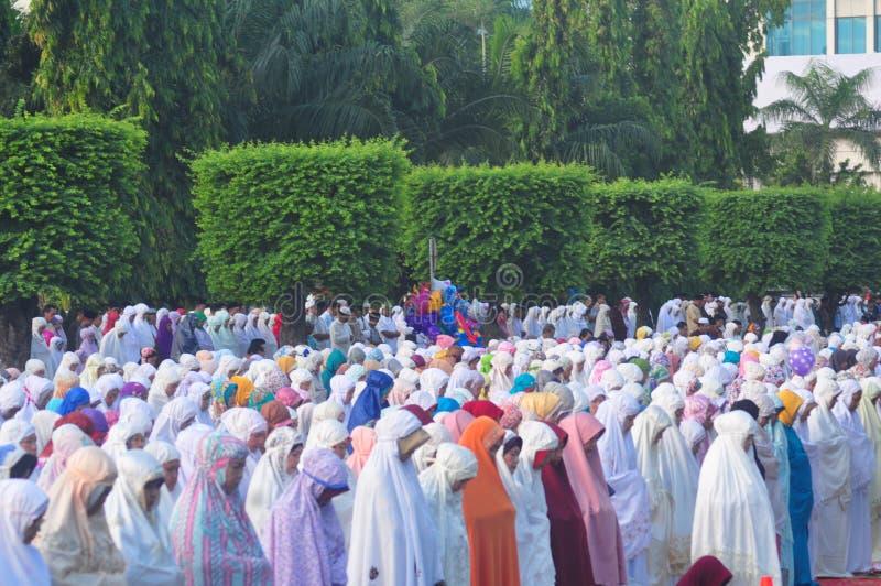 Gebed idul fitri in Semarang stock afbeelding