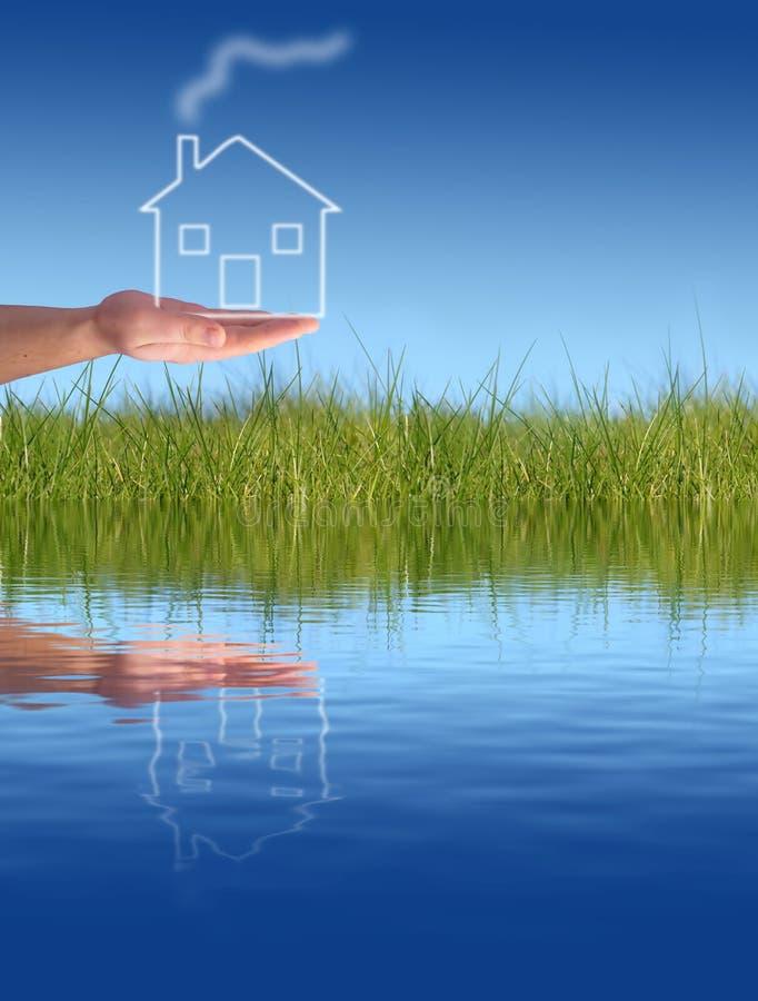 Geben des neuen Hauses lizenzfreies stockfoto