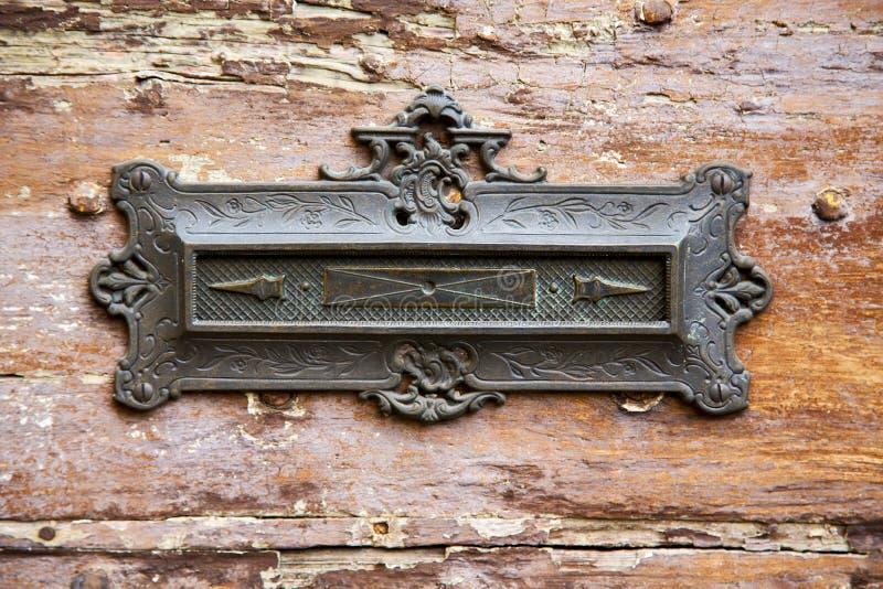 Geben Sie abstraktes hölzernes azzate Lombardei Italien Varese der Post bekannt lizenzfreie stockbilder