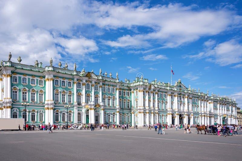 Geben Sie Einsiedlereimuseum an und quadrieren Sie, St Petersburg, Russland stockbilder