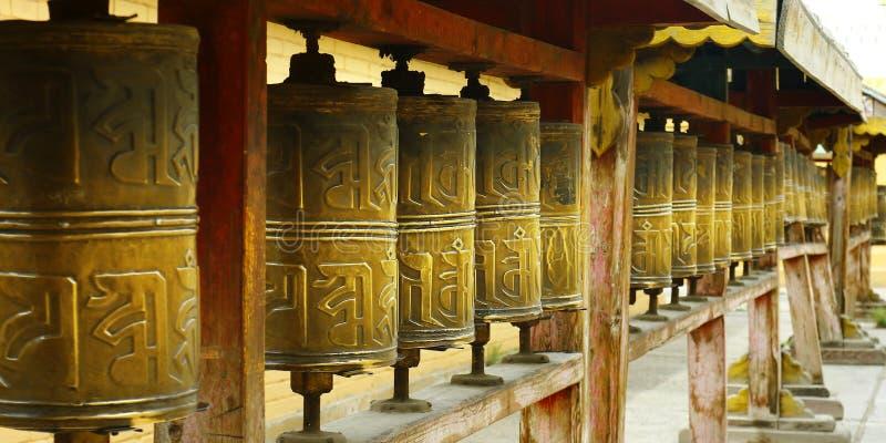 Gebet drehen herein buddhistisches Kloster stockfoto