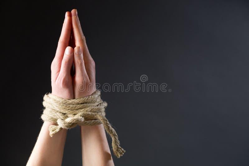 Gebet für Freiheit lizenzfreie stockfotos
