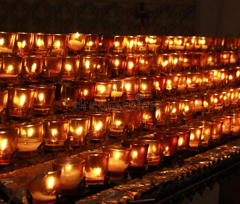 Gebet-Kerzen lizenzfreie stockbilder