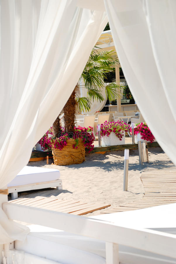 Gebied van een strand voor comfortabele rust royalty-vrije stock afbeeldingen