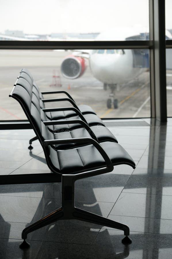 Gebied van het luchthaven het eindvertrek binnen royalty-vrije stock afbeeldingen