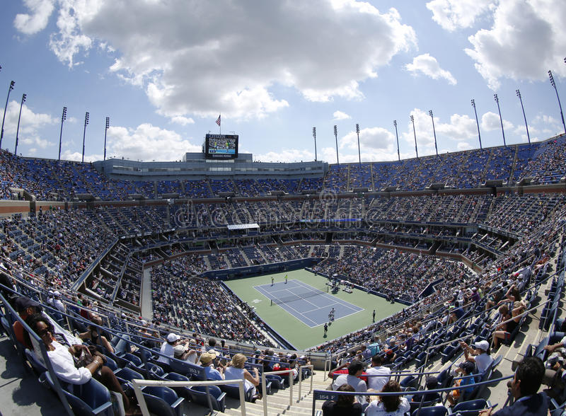 Gebiedsmening van Arthur Ashe Stadium in Billie Jean King National Tennis Center tijdens US Open 2013 royalty-vrije stock afbeelding