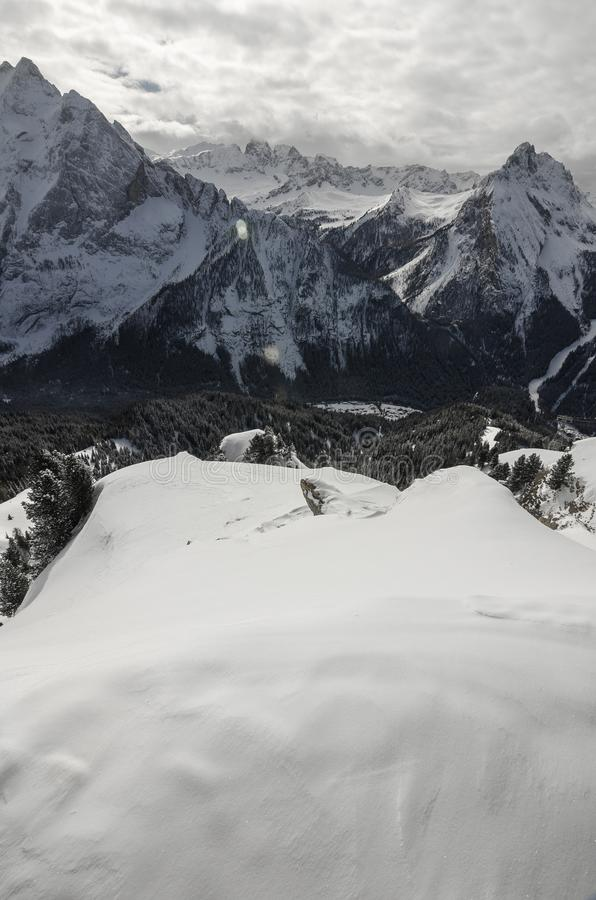 Gebirgsalpen in Italien stockbild