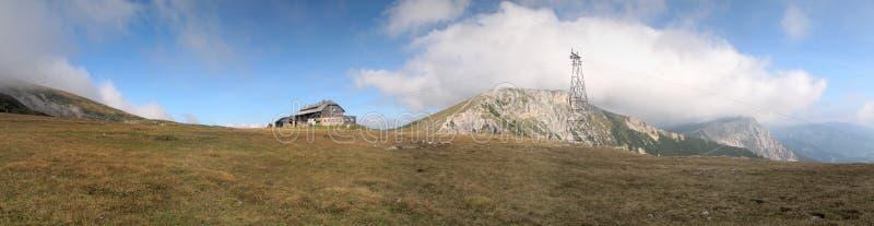 Gebirgshütte Karl-Ludwig in den Rax Alpen stockfotografie