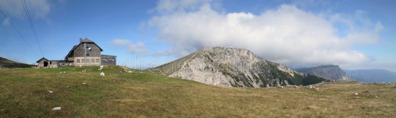 Gebirgshütte Karl-Ludwig in den Rax Alpen stockbilder